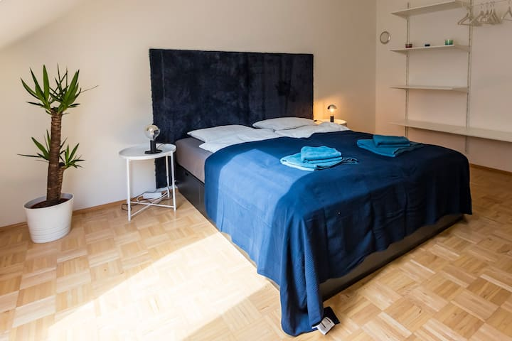 Nice apartment near Messe/City Hall