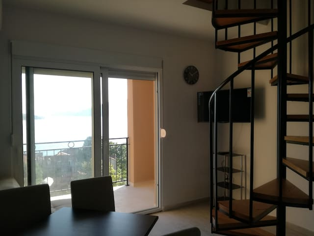 Apartman Novi 3, Villa Kumbor with pool