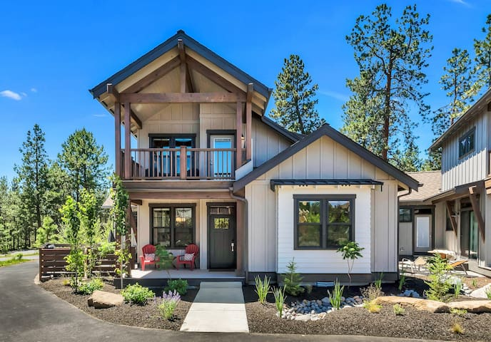 Brand New Home, Minutes to Deschutes River Trail!