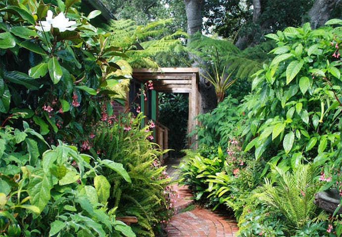 Secret Garden Room in Carmel