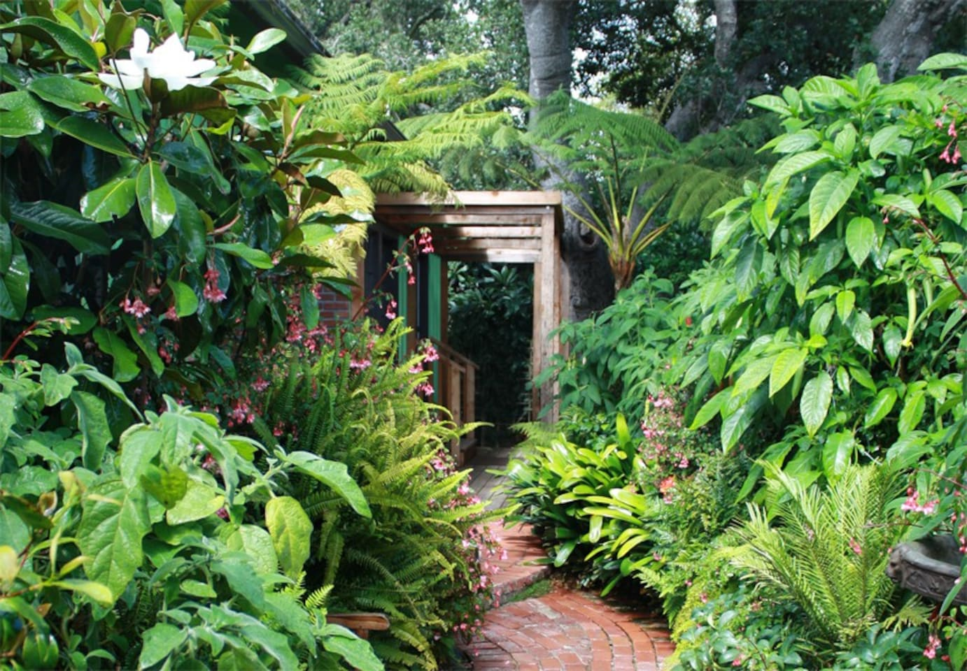 Welcome to our Secret Garden Room!