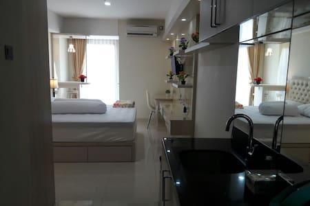 Apt Louis Kienne, Simpang Lima,Fasilitas Hotel - Semarang City - Wohnung