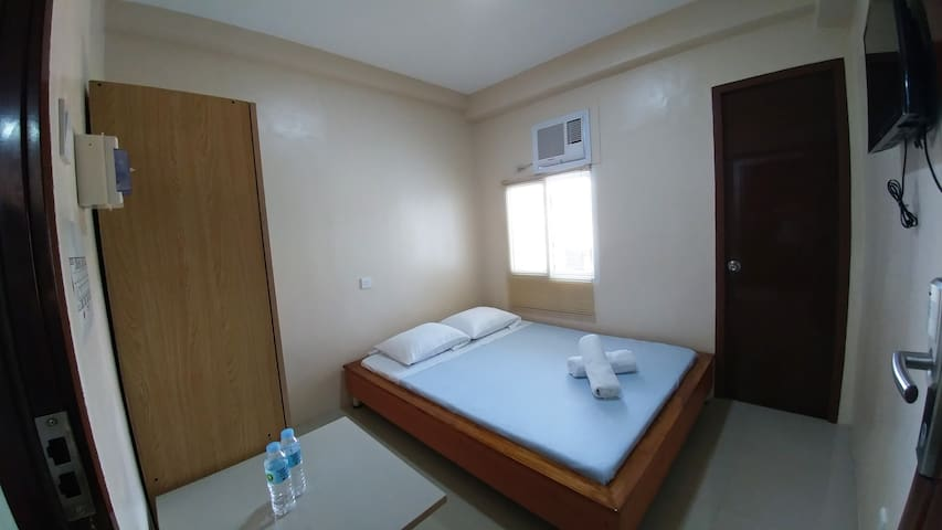 Cebu Courtyard 305 - Queen Bed - Lapu-Lapu City - Serviceret lejlighed