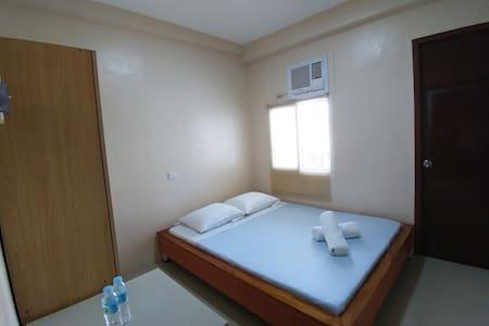 Cebu Courtyard 305 - Queen Bed - 拉普拉普市(Lapu-Lapu City) - 酒店式公寓