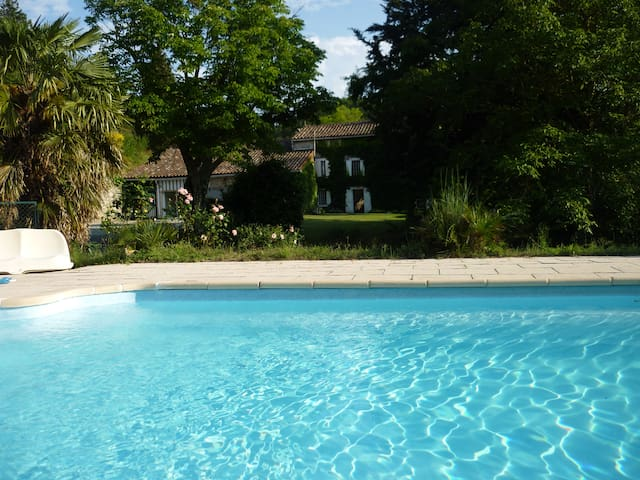 Fabulous Apartment on Private Estate with Pool - Peyrefitte-du-Razès - Leilighet
