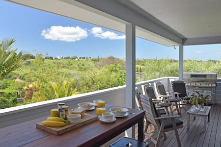 Peaceful & Private with Great Views & Location - Auckland