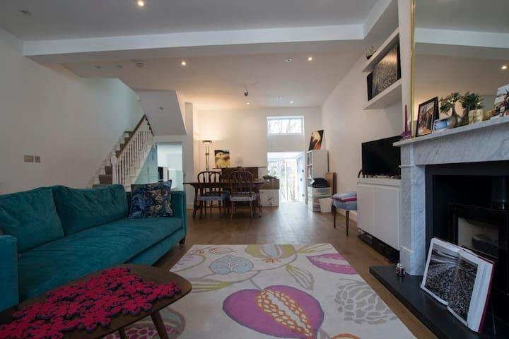 Quiet double room near Hampstead