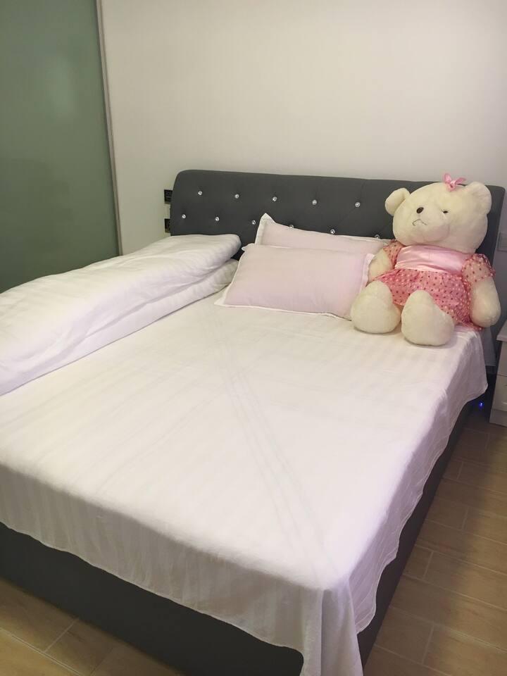 周家小院 大床房 独立房间带卫生间