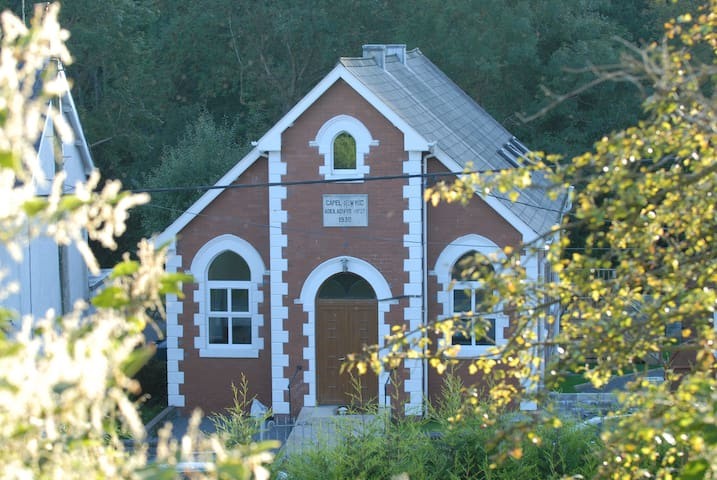 Converted Chapel - Capel Cartref 4 Star Rating - Cwm-twrch Isaf - Holiday home