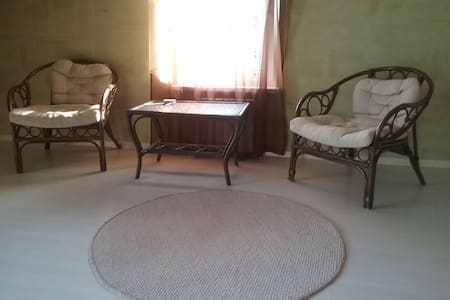Уютная комната недалеко от центра города - Novorossiysk - House - 2