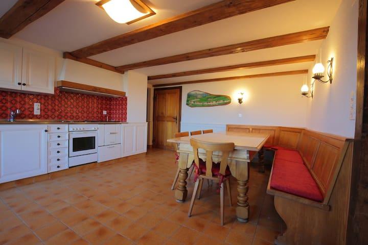Grande cuisine habitable toute équipée (20 m²)