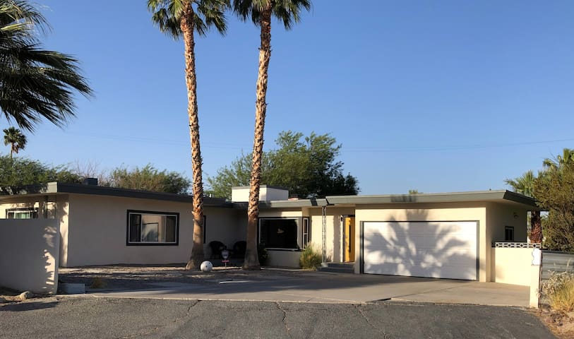 Single Story 50s Ranch Pool House