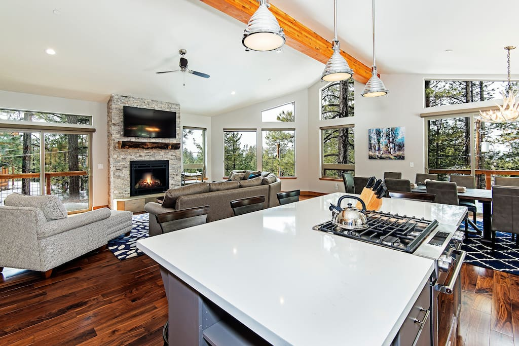 5 Bedroom Luxury Overlook House Houses For Rent In South Lake Tahoe California United States