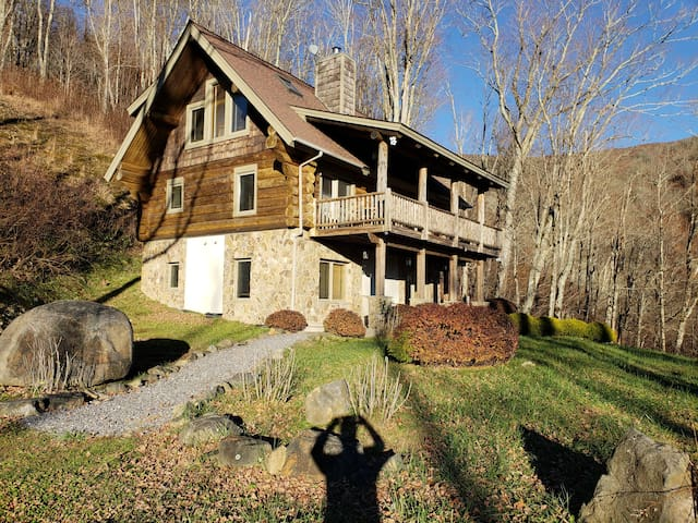 Three story log home in the mountains of Western North Carolina with 3 Bedrooms and 3 Bathrooms, very private with great view