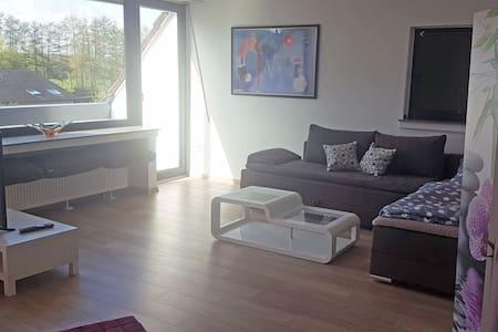 Helle und moderne Wohnung in Ruhrnähe