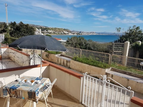 House 40m from the sea-Punta Grande