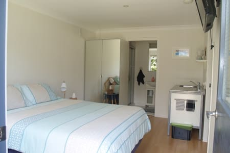 Studio room/ensuite with own entry - Lennox Head - Rumah