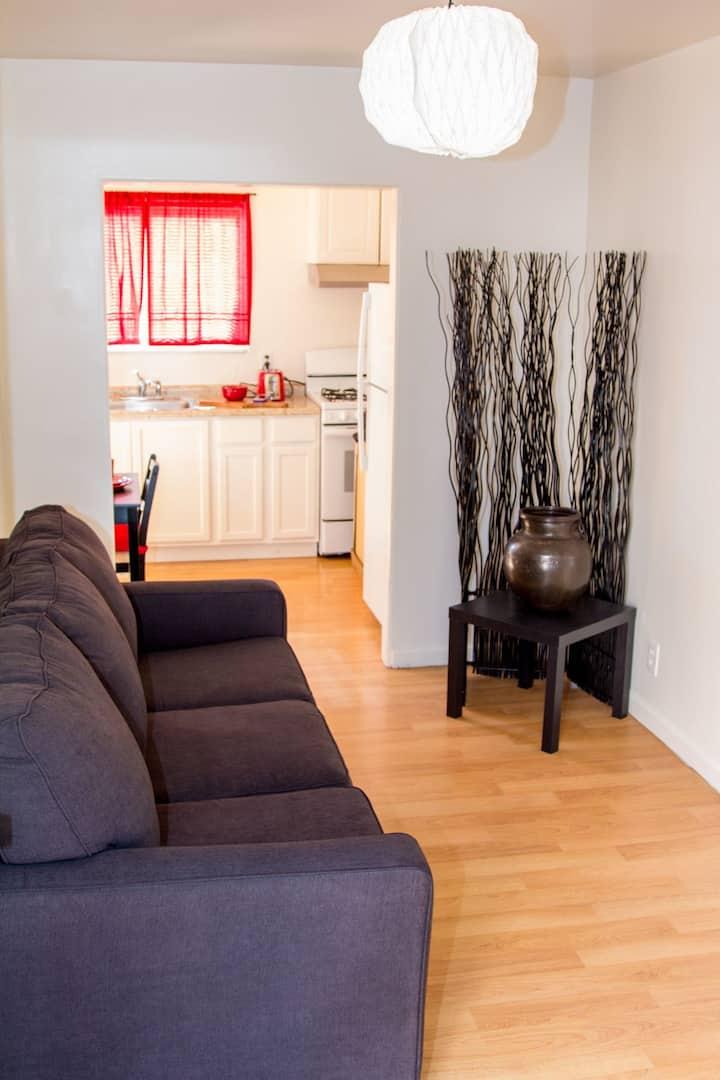 Lovely 1 Bedroom Hideaway!