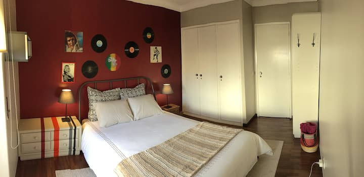 A delightful room near the beach