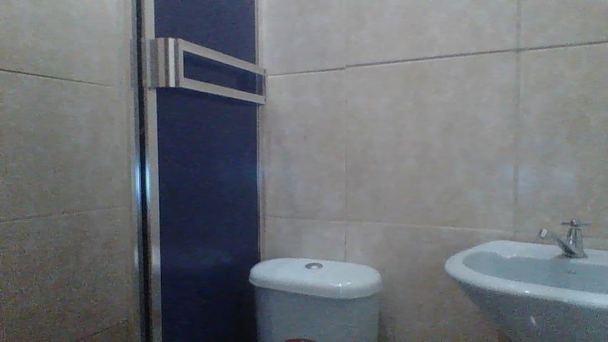 suit. En Complejo Residencial En Guayaquil