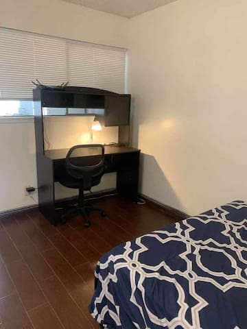 Cozy spacious guest room for 2 people! (3B)