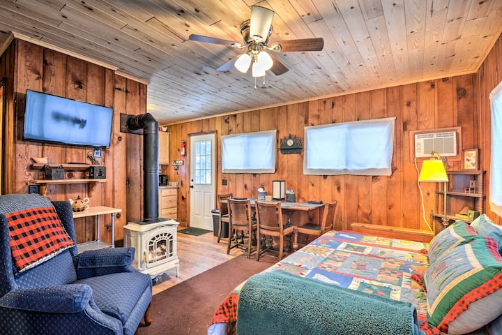 NEW! Lakeside Charlevoix Cabin w/ Ideal Location!