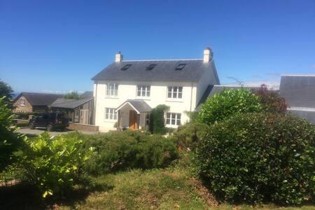 Luxury Modernised Farmhouse with Amazing Sea Views - Devon