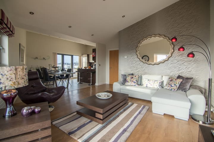 Deluxe Galway City Penthouse Apartment - Galway - Lägenhet
