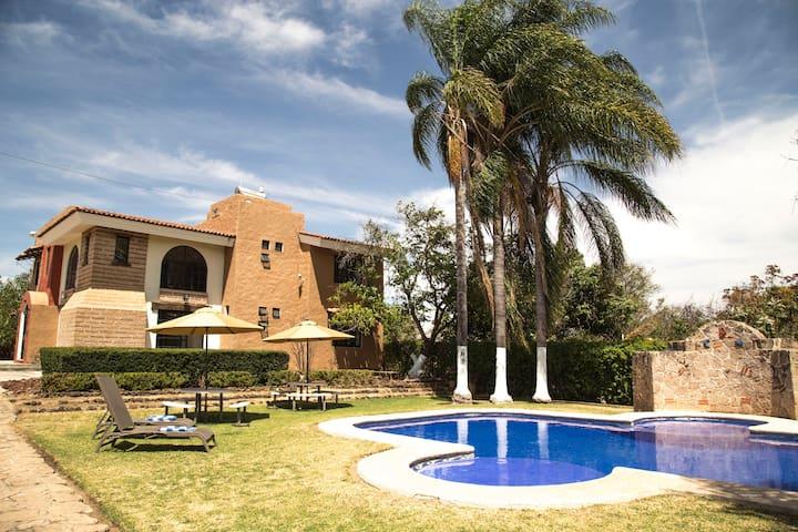 Country house with pool at 30min. from Guadalajara - Huertas del Zamorano - Allotjament sostenible a la natura