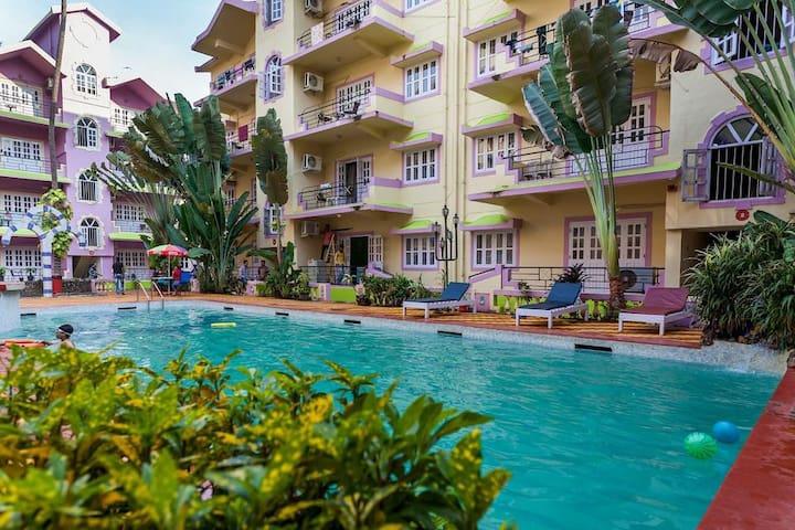 AC Apartment with Pool in Arpora, Calangute