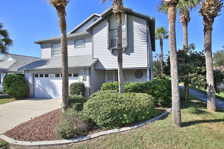 Newly Listed Home in Sea Colony. Close to Beach, Dog and Cat Friendly, Monthly Rentals, Furnished