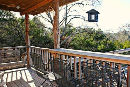Peace Cabin- Your Relaxing Canyon Lake Getaway! - Canyon Lake - Cabin