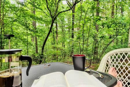 Cozy Milton Mini-Studio with private, wooded patio