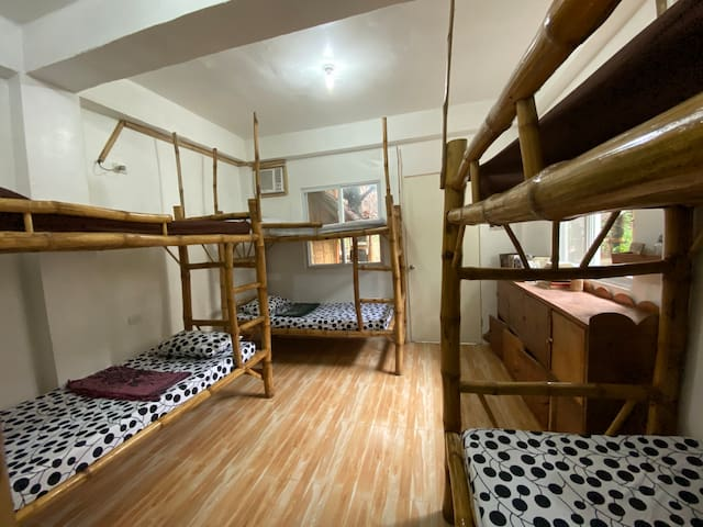Neverland Malapascua Aircon mixed dorm