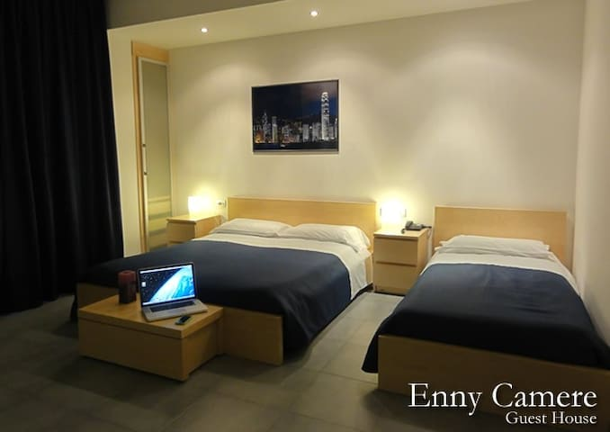 "Camere Enny ""Woman in bath""!"