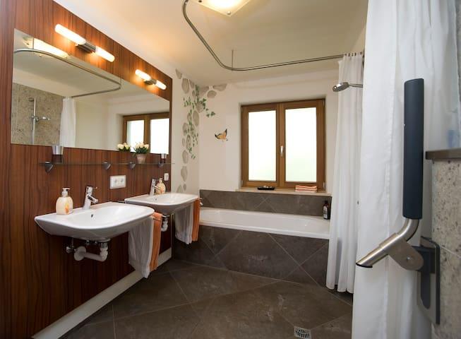 mediterrane Villa mitten in der Natur - Weiler-Simmerberg - Daire