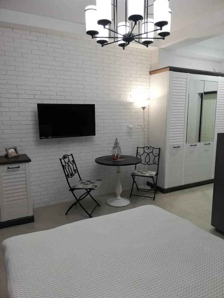 Потрясающая квартирка для потрясающих гостей)