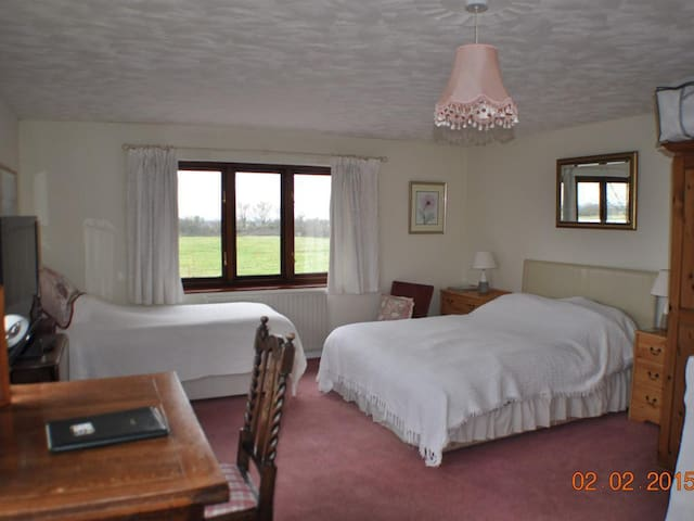 Family room - Burnthouse Farm Bed and Breakfast