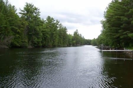 Rustic River Cottage - Kawartha Lakes - Cabin