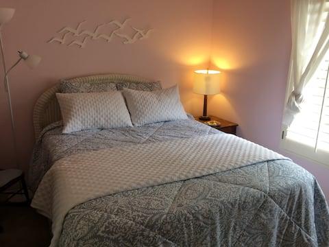 """Comfort & Location, Wyatt's  """"California"""" Room"""