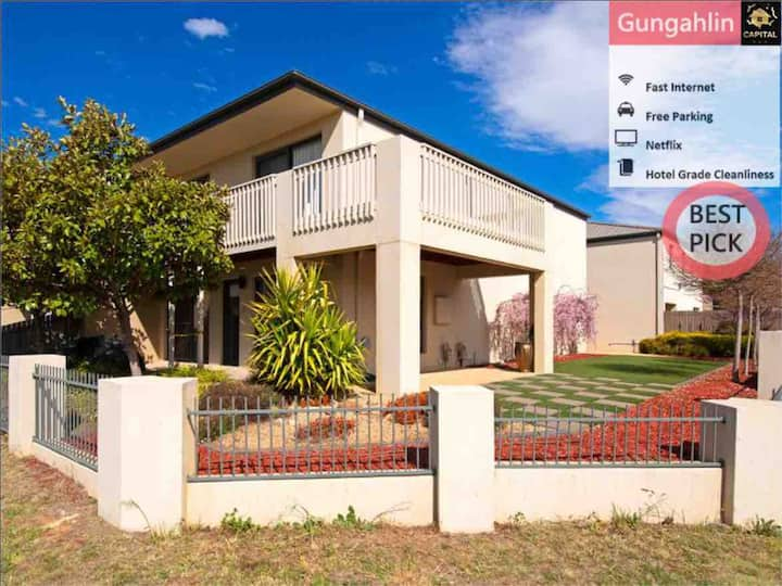 Stylish 5 BR House Close to Gungahlin Centre