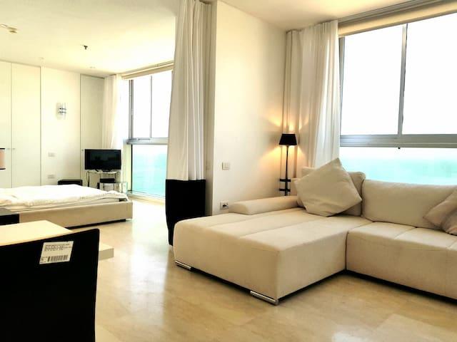 Luxury 2b Hotel Daniel Herzlia   see  view pool