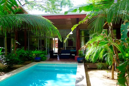 Tropical Designer Villa REDUCED - Haus
