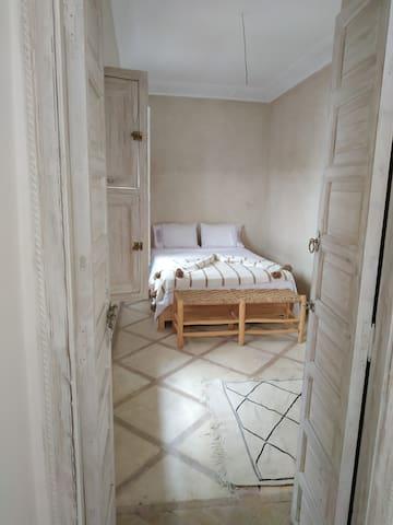 Petite chambre au 1er étage
