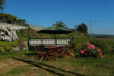 Gîte campagnard plein pied sud de l'Auvergne