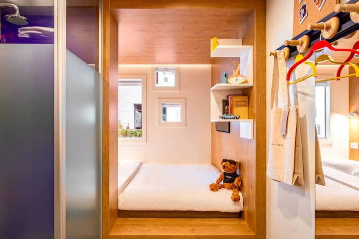 STAY SMART IN OUR BUNK ROOM + WITH EN-SUITE