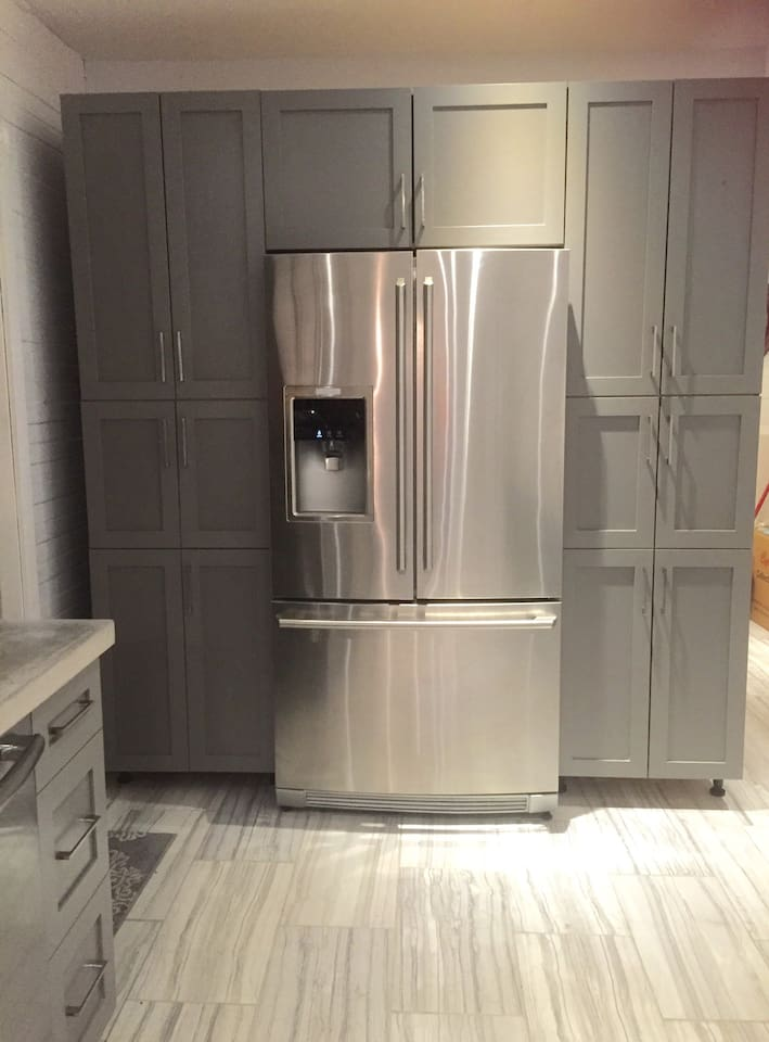 Kitchen- fridge with auto water and ice