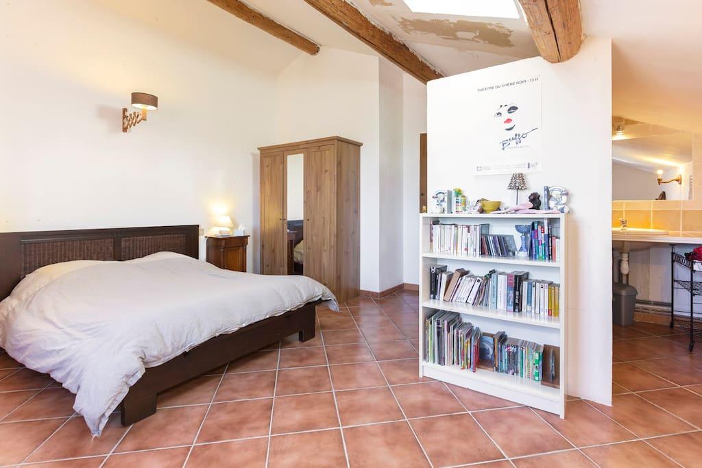 Chambre en provence avec piscine appartamenti in affitto for Chateauneuf de gadagne piscine