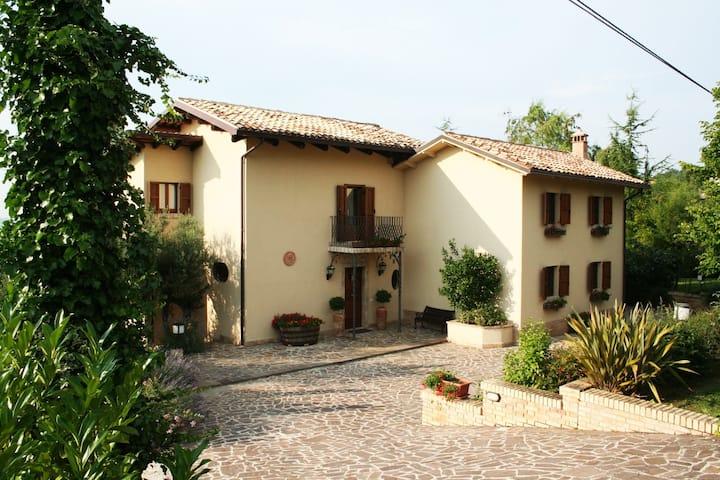 Villa Margherita - villa panoramica con piscina