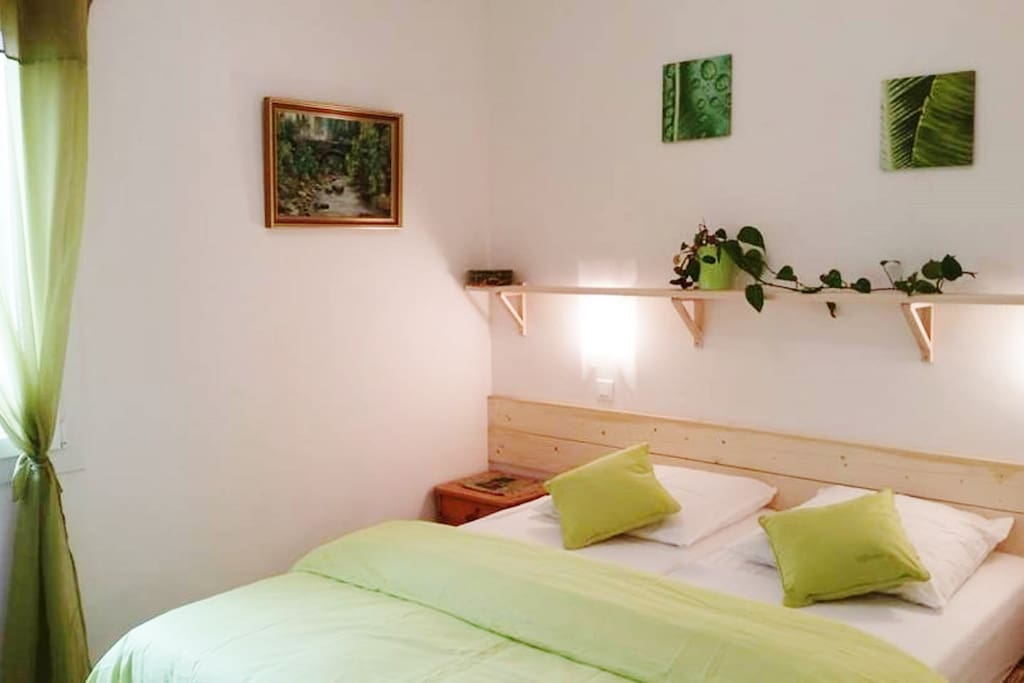 Mas providence chambre olive maison d 39 h tes louer for Maison hote methamis